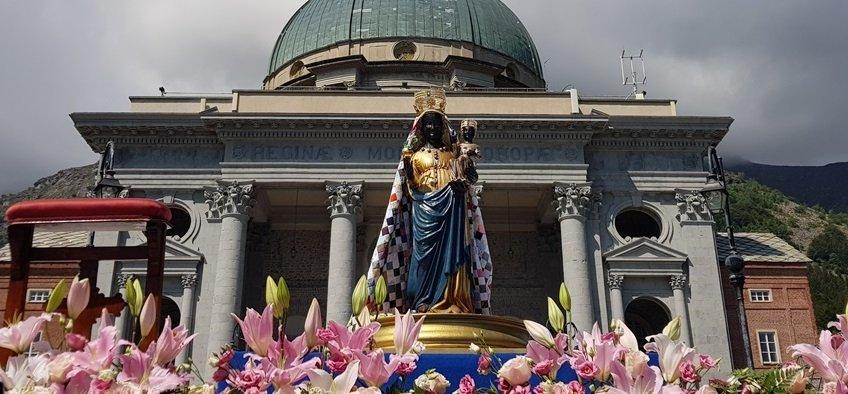 Madonna di Oropa incoronata